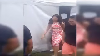 Maine Mendoza a.k.a. Yaya DUB on her way to the dressing room.