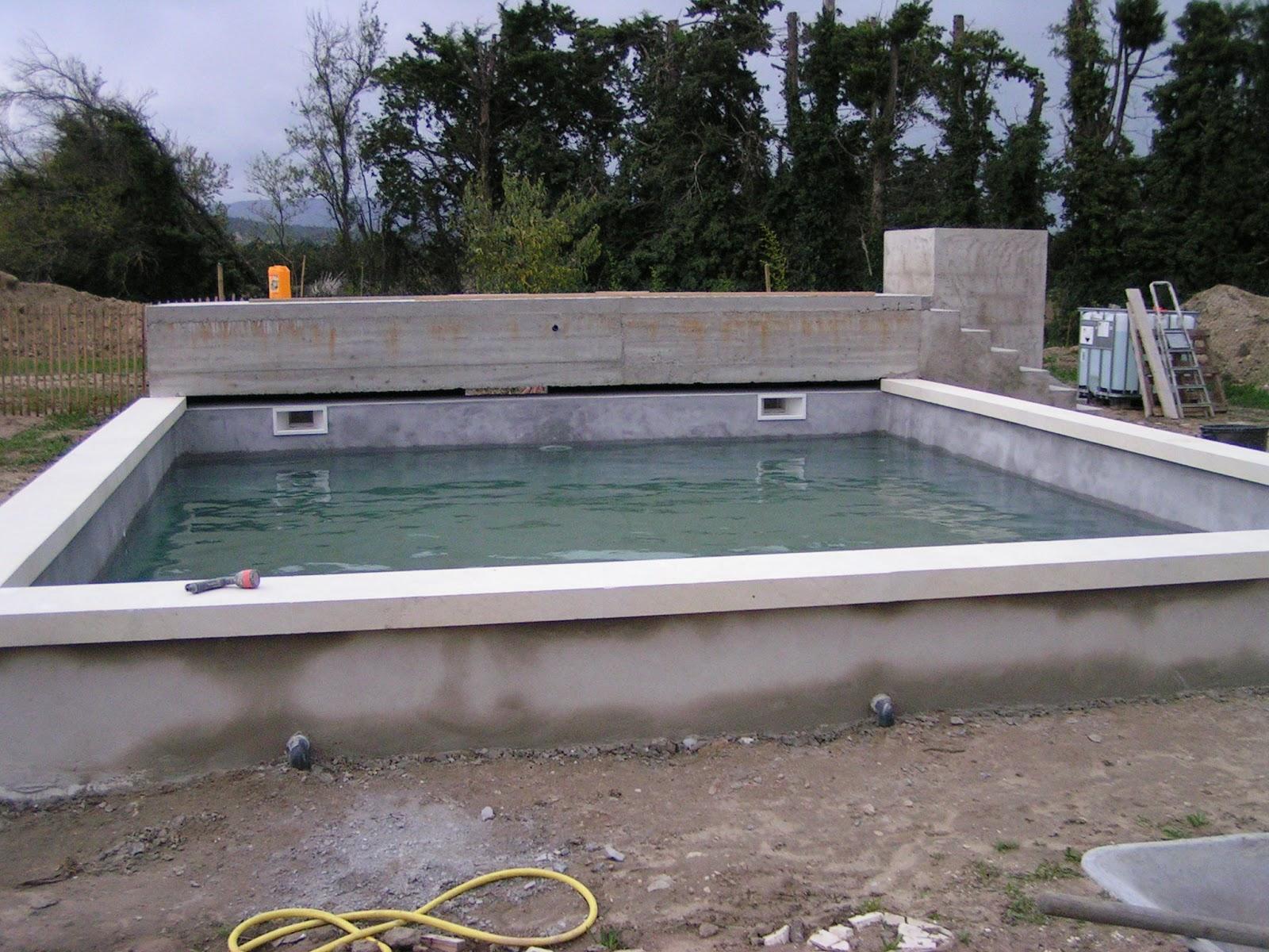 Moi aussi j 39 ai une maison marie claire rip le katymper for Forme piscine beton