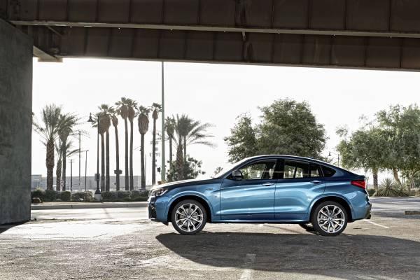 BMW「X4 M40i」ののサイド画像