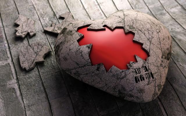 Grote steen in de vorm van een hartje
