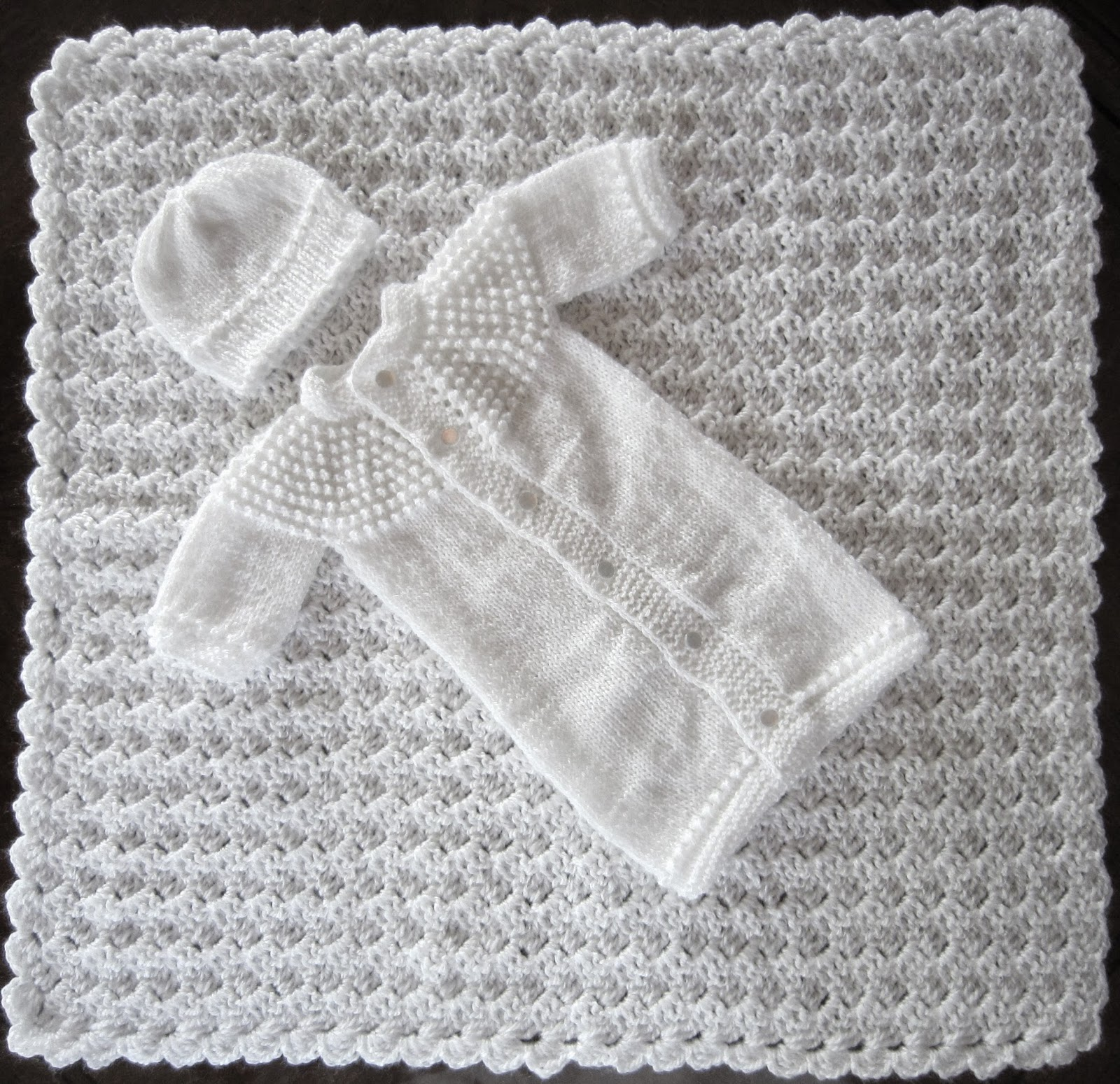 Free Crochet Patterns Christening Blankets : Sea Trail Grandmas: FREE PATTERN CHRISTENING OR BURIAL SET ...