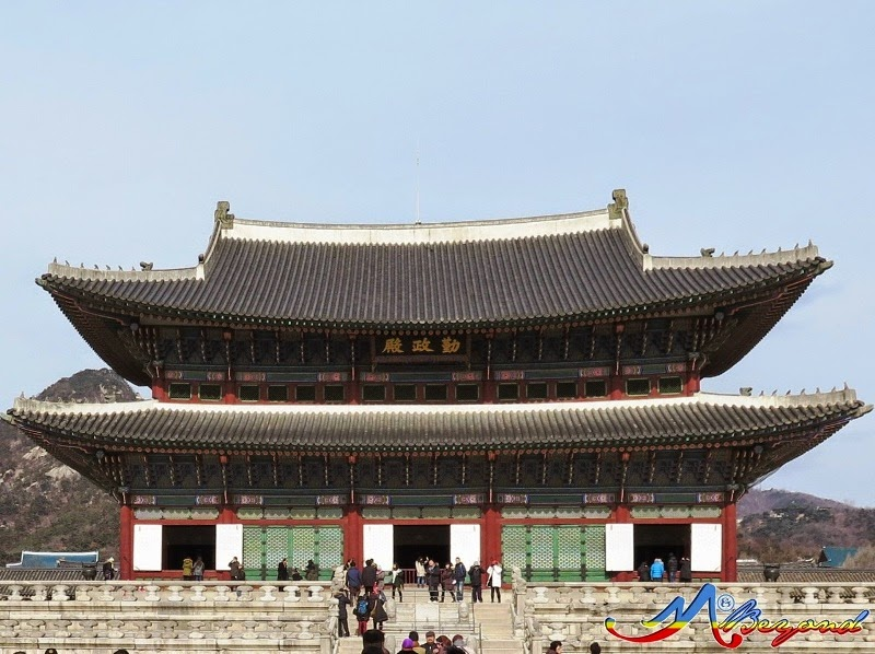Geunjeongjeon Hall Gyeongbokgung Palace, seoul tourist attraction, what to do in seoul, kids in seoul at winter, winter attractions in seoul, where to go in seoul