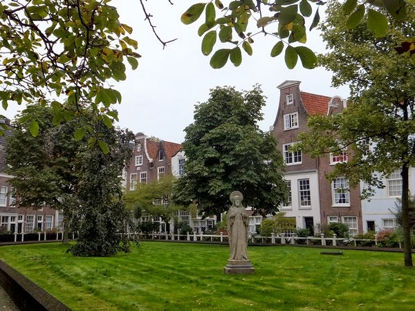 amsterdam centre médiéval béguinage