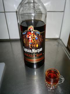 Captain Morgan, Jamaica Rum. Inge vidare gott utan Coca Cola!
