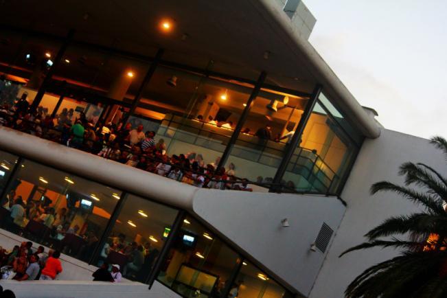 Juegos De Baño Quimico:Plaza de comidas al aire libregrandioso!!!Baños impecables y un