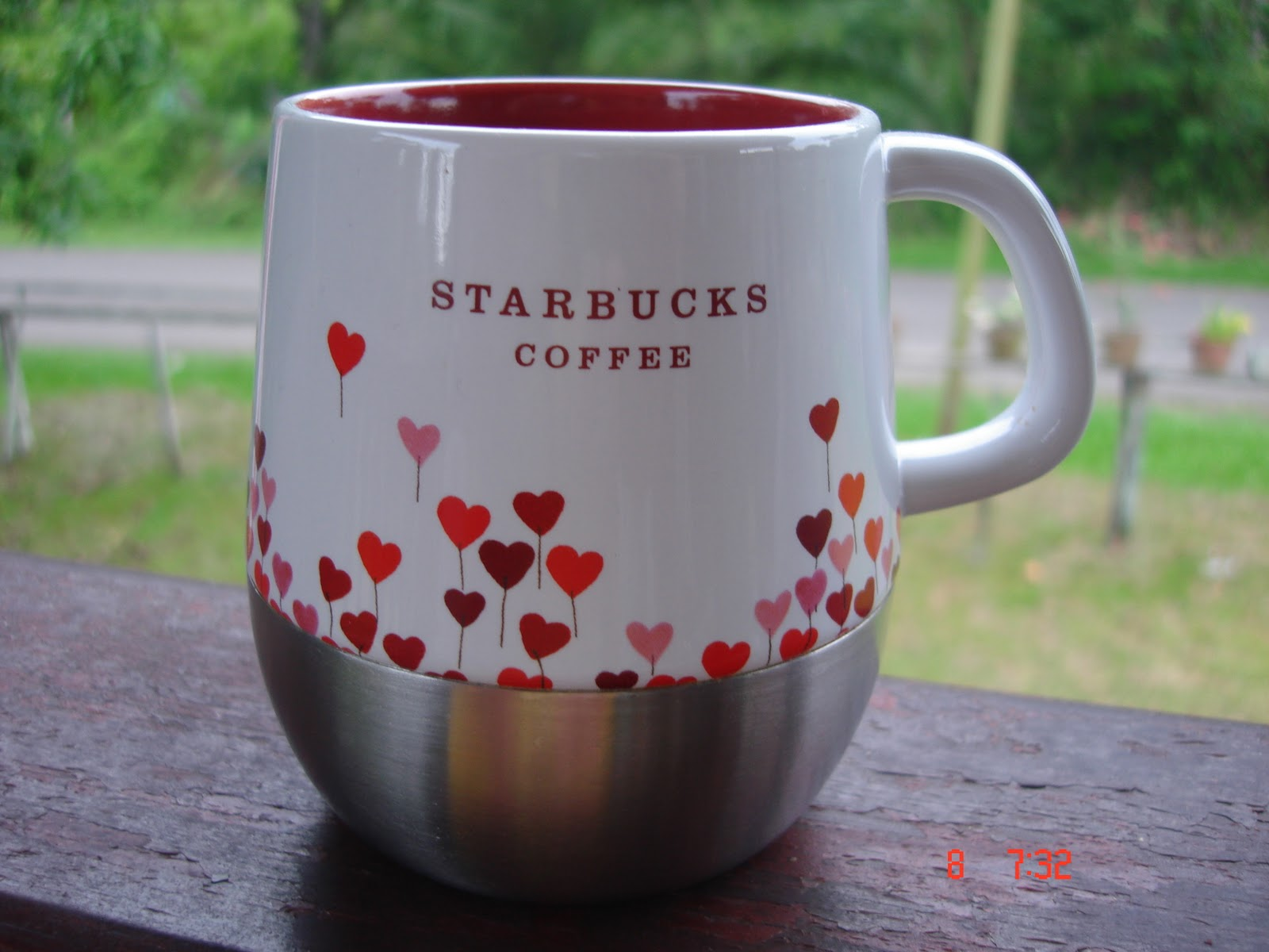 2007 Valentine Starbucks Rising Heart Mug With Stainless Steel Base