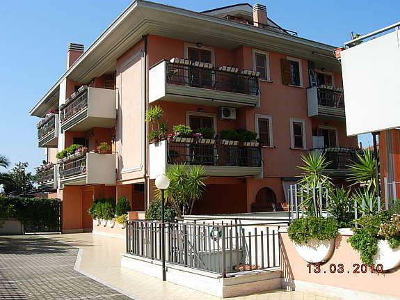 Case roma blog monolocale in vendita roma morena for Vendesi monolocale roma