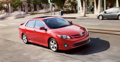 Cho thuê xe Toyota Corolla 1.8 AT 2010