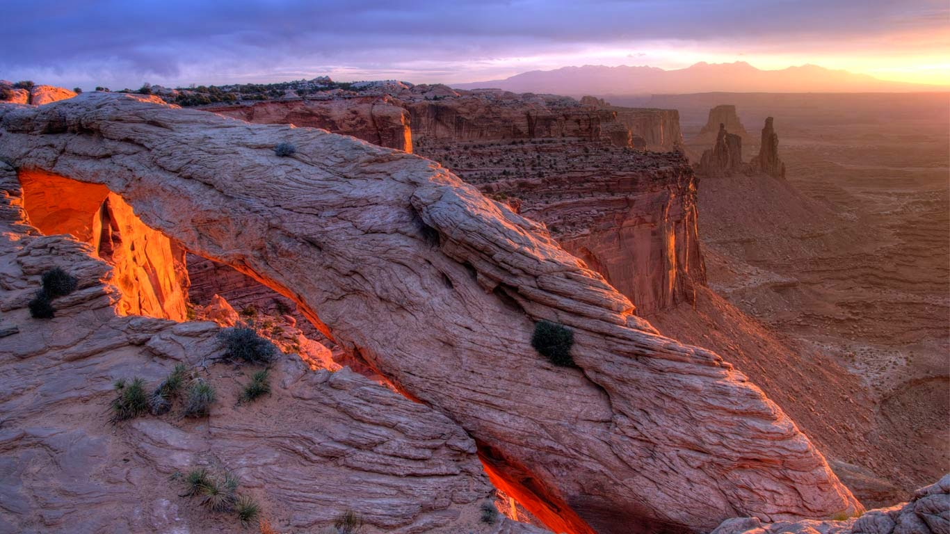 Mesa Arch, Canyonlands National Park, Utah (© Jeff Clay/Tandem Still + Motion) 71