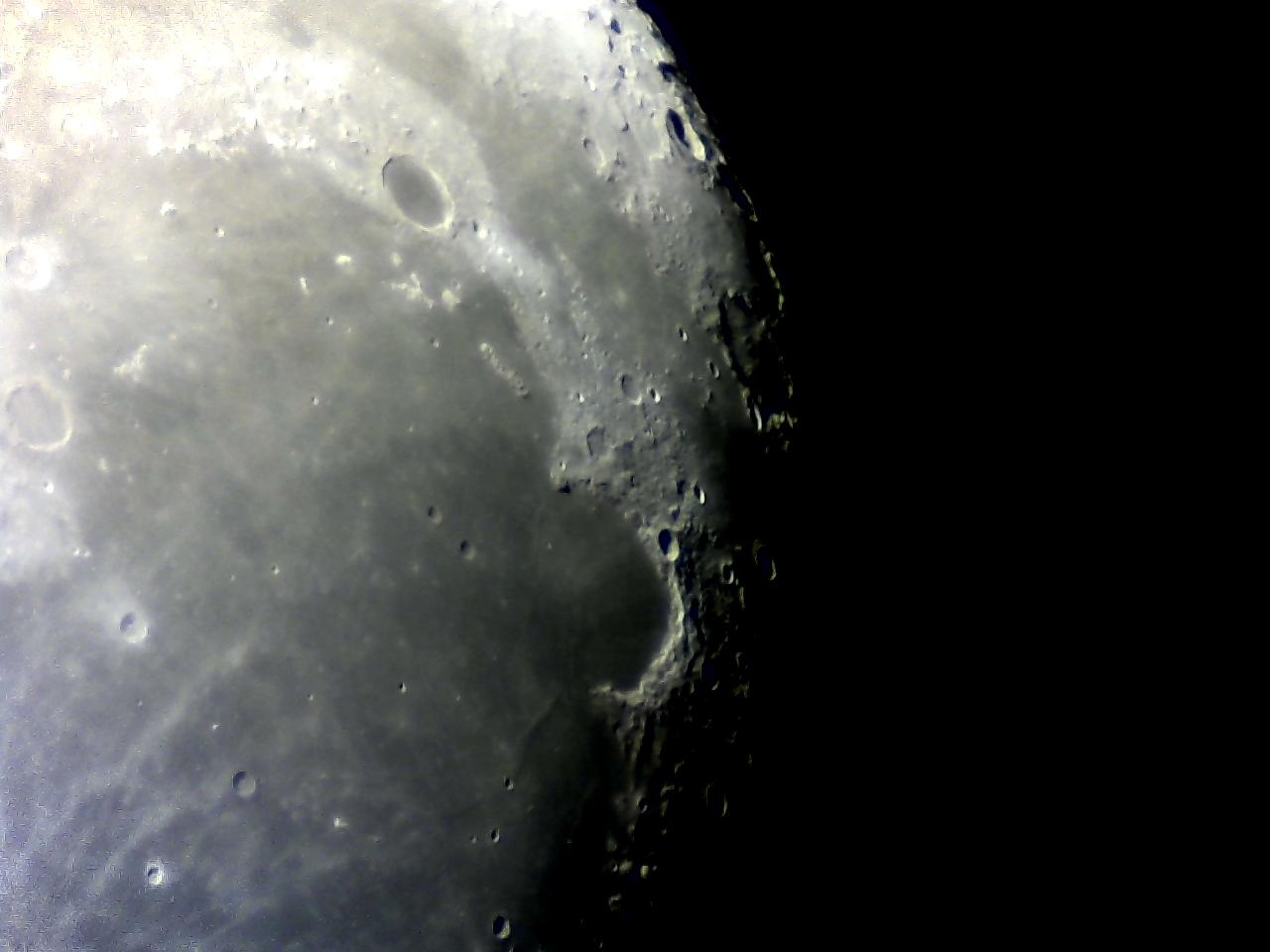 Câmera Logitech C270 + SW Explorer 200 Lua%2B-%2Bwebcam%2B%252817%2529