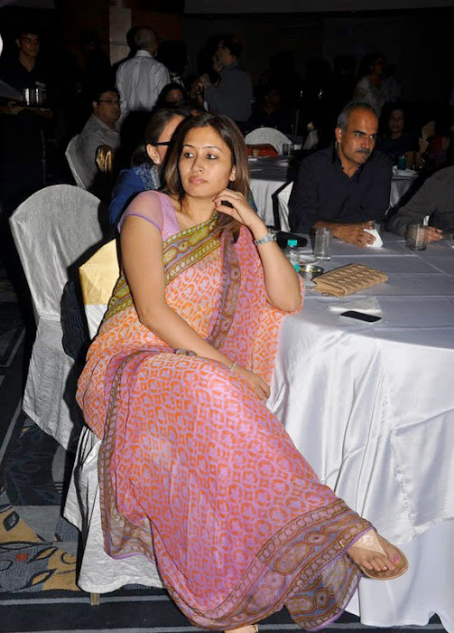 jwala gutta test saree photo gallery