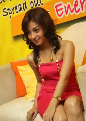 nikita willy tanpa busana