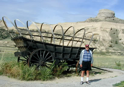 Wendell touring the monument's Oregon Trail museum