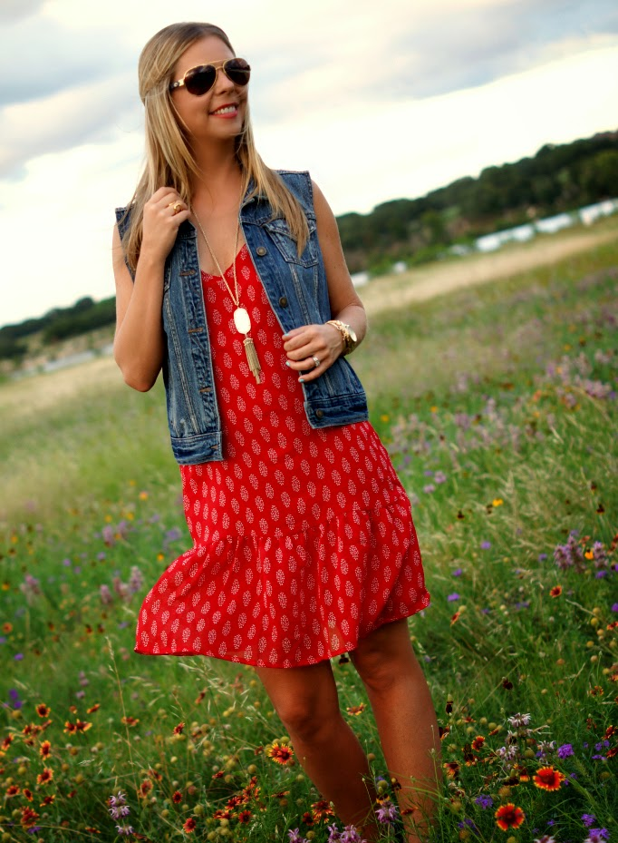 Denim Vest Outfit Idea