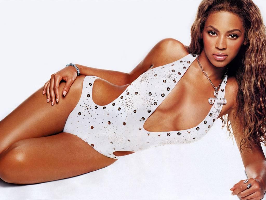 http://1.bp.blogspot.com/-DBsLE2umwec/T2Wh2kbmxMI/AAAAAAAAi2M/C5XORjc2G90/s1600/Beyonce-in-hot-bikini-2.JPG