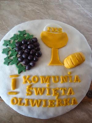 Tort z masą cukrową na Komunię