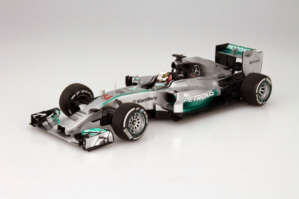 mercedes f1 w05 hybrid weltmeisterauto von lewis hamilton im ma stab 1 18 modellauto news. Black Bedroom Furniture Sets. Home Design Ideas