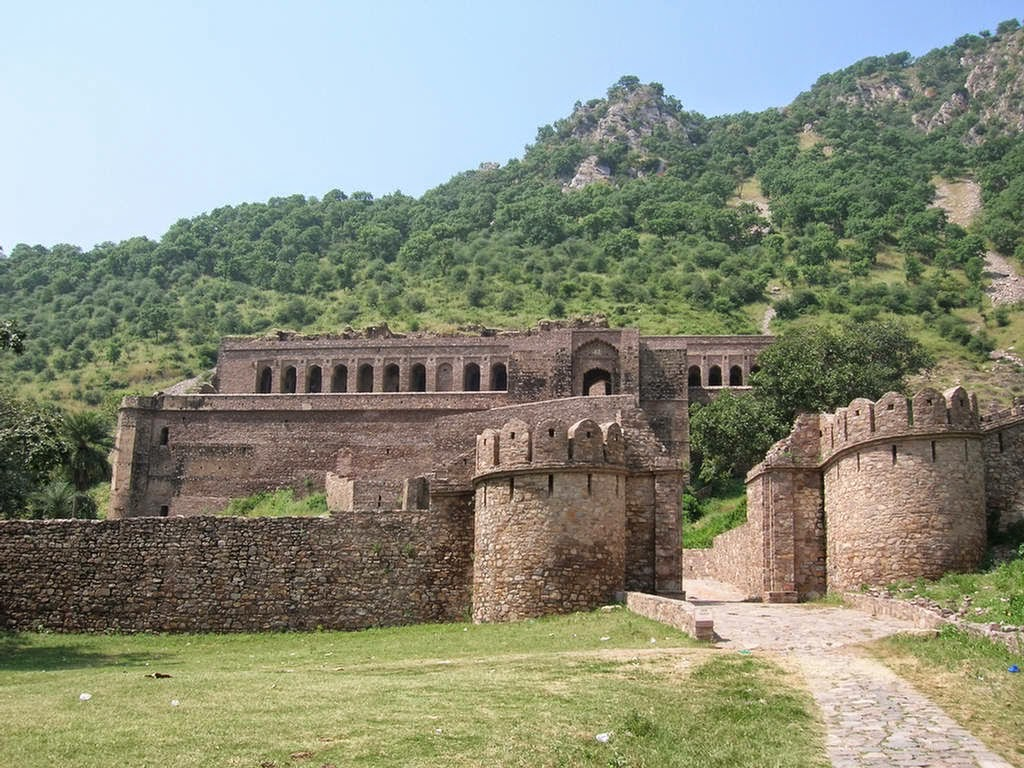 Ghost Town Bhangarh - haunted place ranked 5th