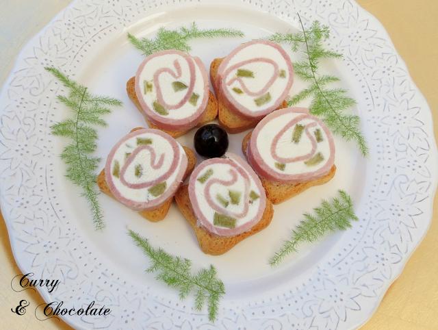 Canapés fáciles 3 – Rollos de jamón de york y queso crema