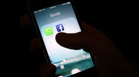 No Utilices Tu Smartphone En Centros Comerciales O Lugares Publicos