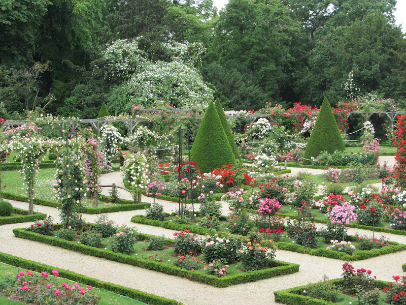 Jardin de bagatelle paris 16 bois de boulogne france pinter for Bagatelle jardin