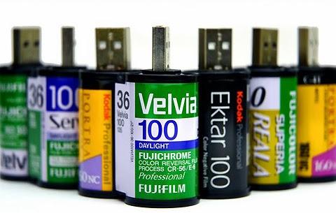 Pamięć USB, korki po winie, flash, drive, klamerki, kostka rubika, stare zabawki,