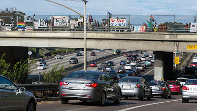 HONK 4 NO WAR ON SYRIA Bridge Banner Poll