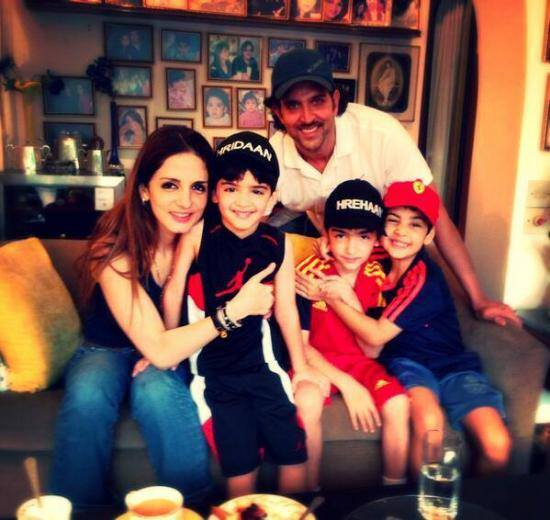 Hritik Roshan with his family