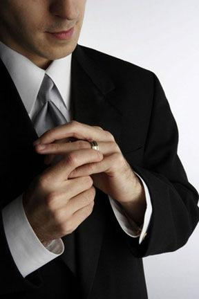 man - cheating-husband - علامات خيانة الزوج والحبيب