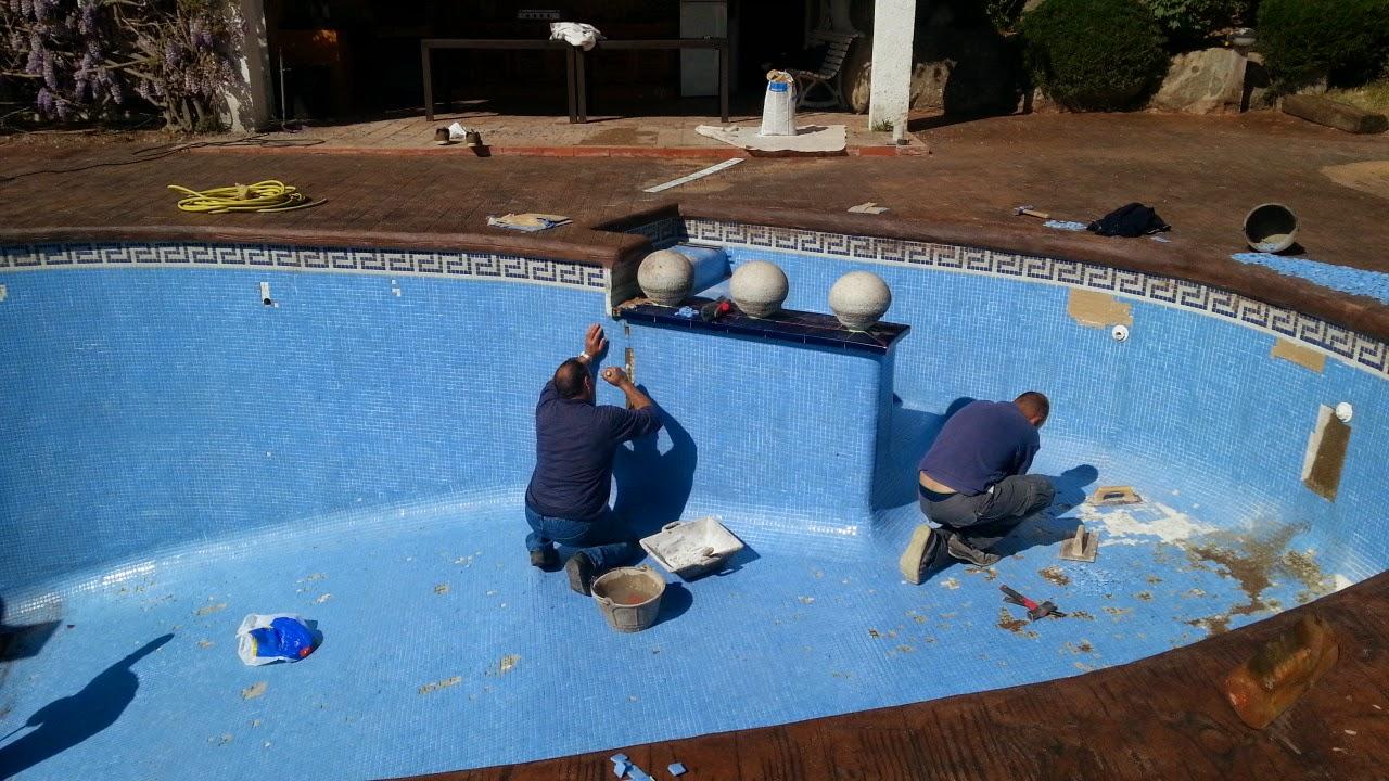 Como conservar reparar llenar y mantener piscina en buen for Polvo en la piscina