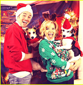 megan-hilty-reveals-all-of-her-awkward-christmas-photos
