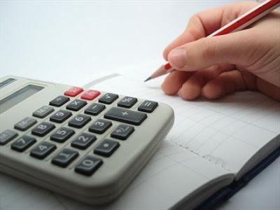 Bron: trajectum.hu.nl landvanmelkenhoning.blogspot.nl Inkomsten en uitgaven augustus