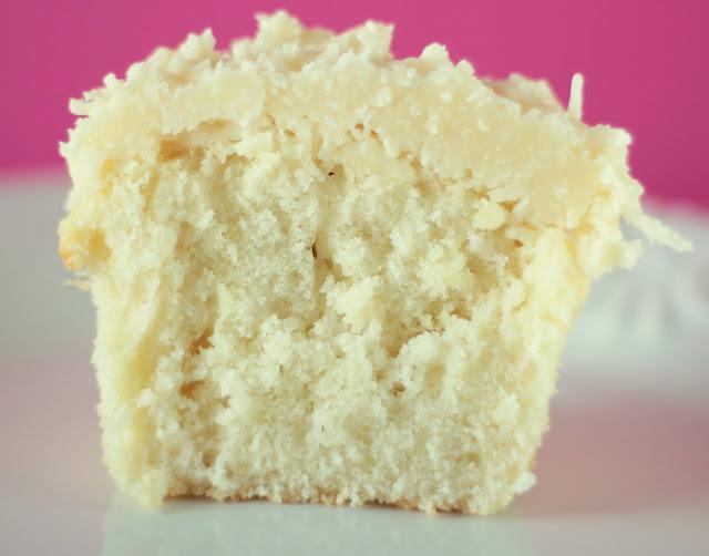 Cupcake de coco para festas juninas