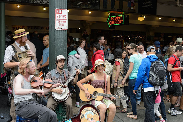 Street musicians at Pike Place Market