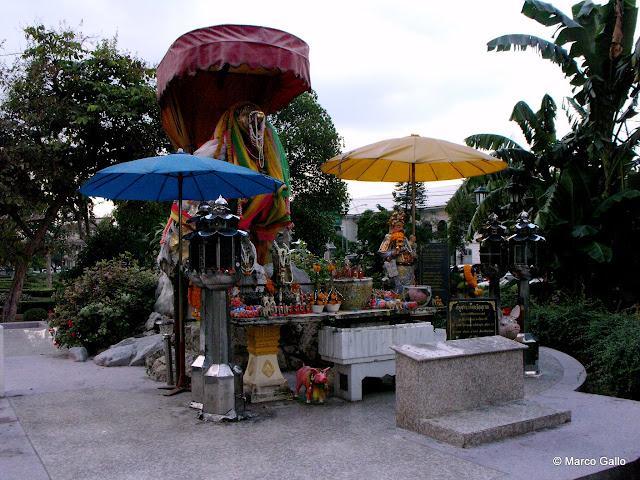 MEMORIAL PIC. HOMENAJE AL CERDO, BANGKOK, TAILANDIA