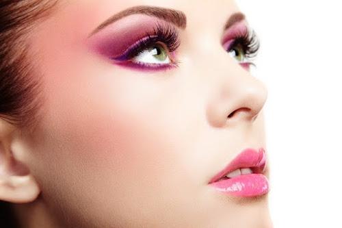 Maletas de maquiagem são ícones fashion que facilitam a rotina de beleza