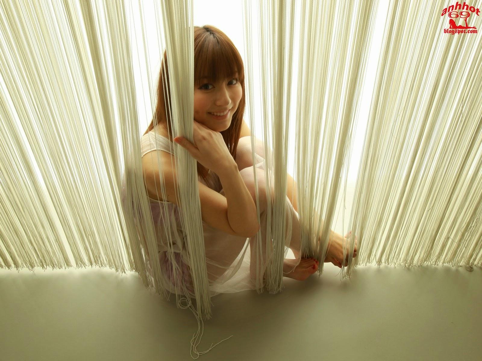 yumi-sugimoto-00494451