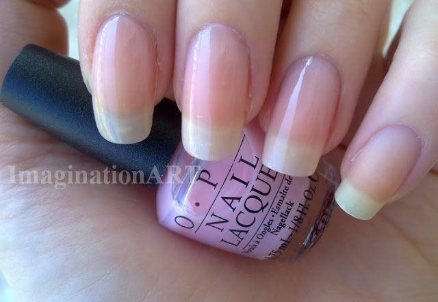 opi_pink_it_s_a_girl_smalti_nail_laquer_polish_mini_boccette_size_swatch