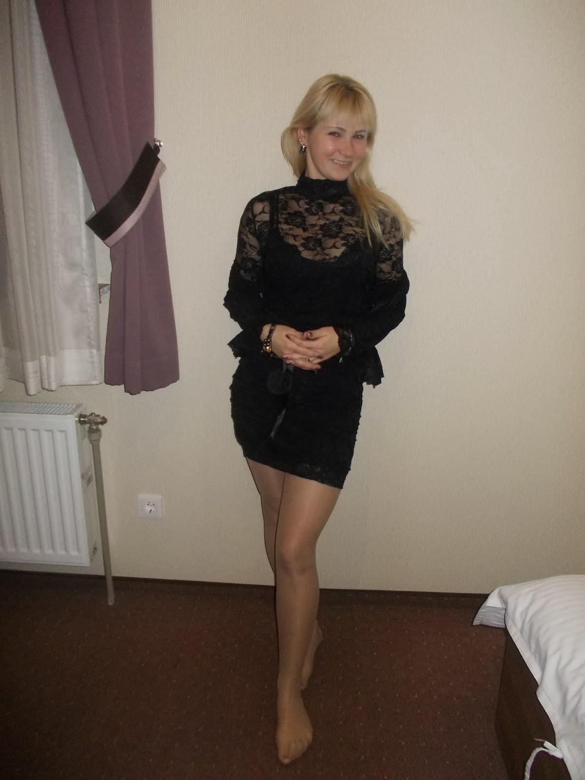 Фото девушек в юбках платьях