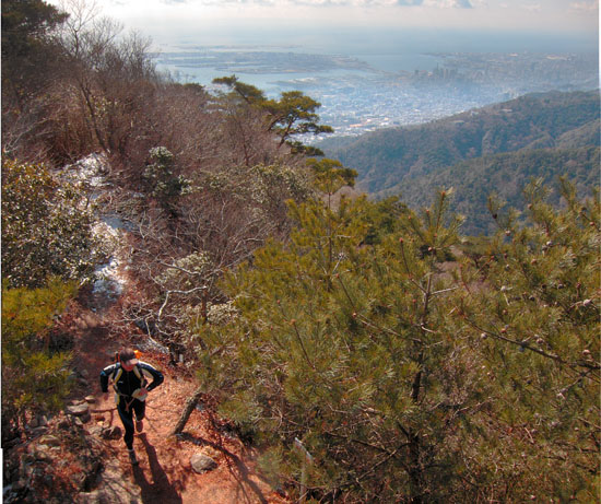 Trail and mountain running in Japan Mount Rokko Longitudinal Course