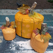 GIRLS NIGHT OUT - Make log pumpkins!