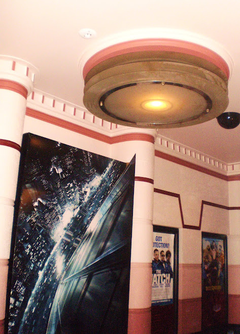 Piccadilly Theatre - Foyer Lighting