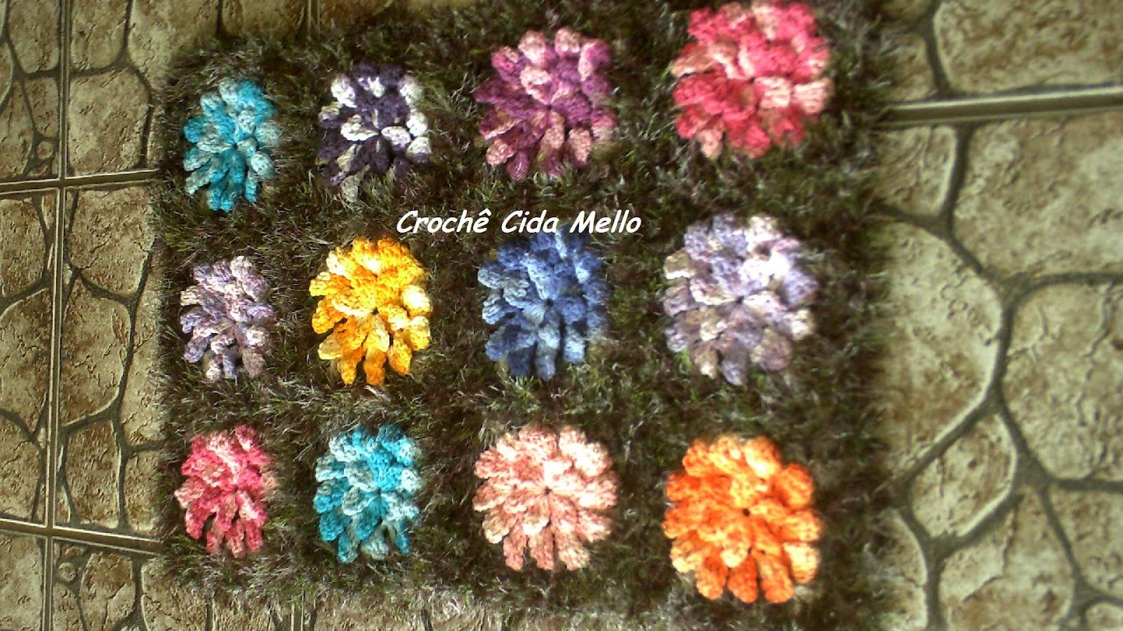Crochê Cida Mello Tapete jardim com flores