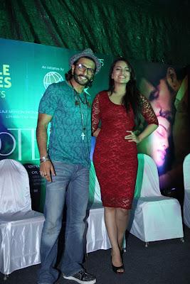 Sonakshi Sinha & Ranveer Singh At Samsung Store to promote lootera