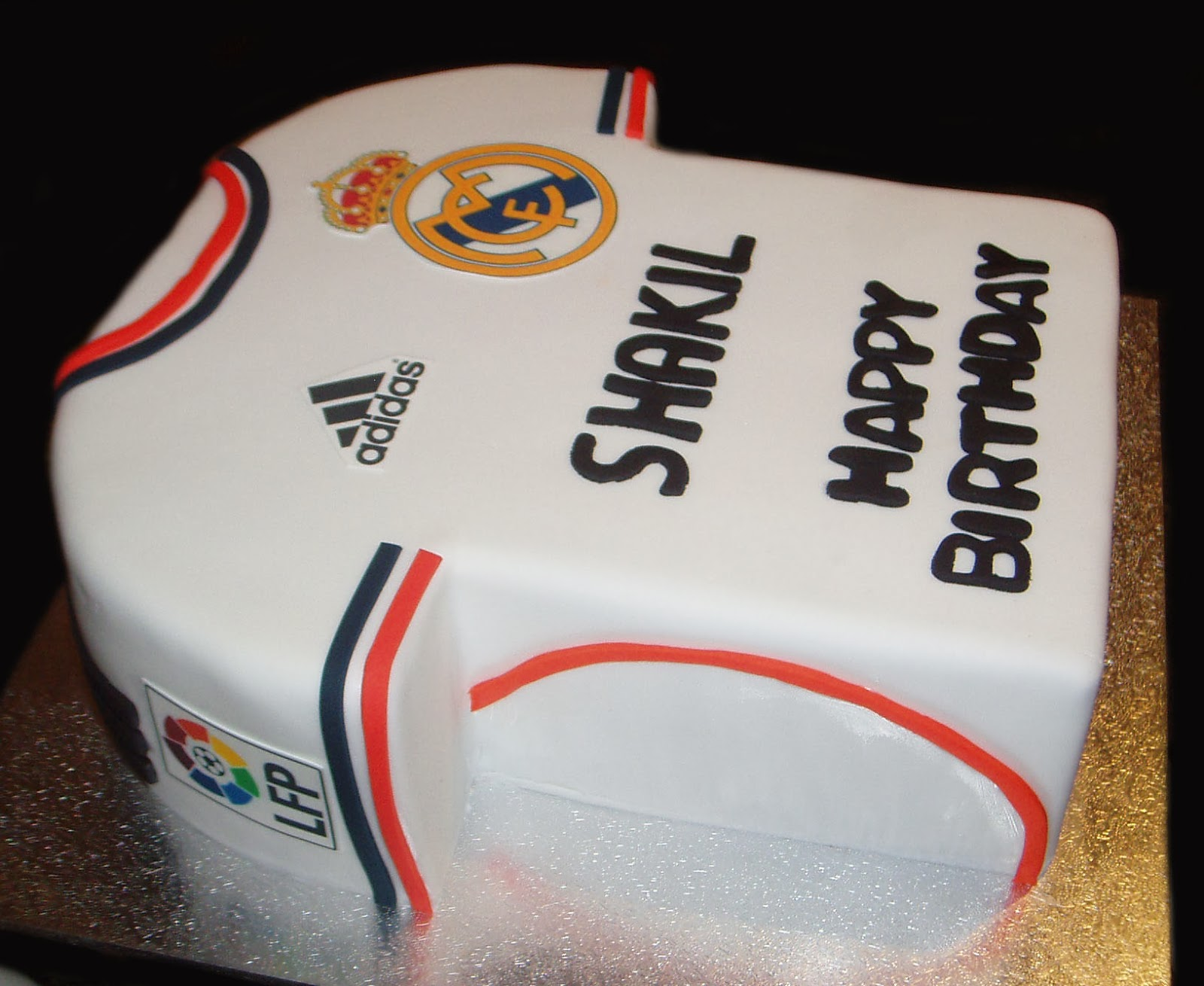how to make a real madrid jersey cake
