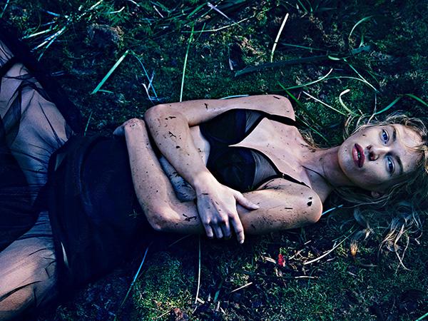 Stella Maxwell leva o lesbianismo muito a sério Miley não