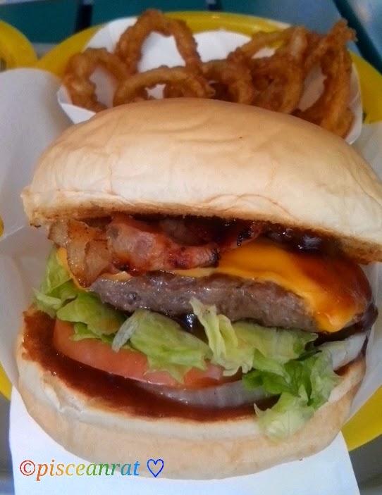 Caliburger BBQ Bacon Cheeseburger