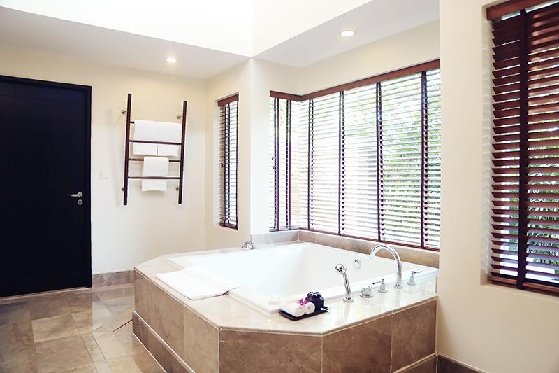 Radisson Blu plaza Phuket hotel spacious bathroom with big bathtub