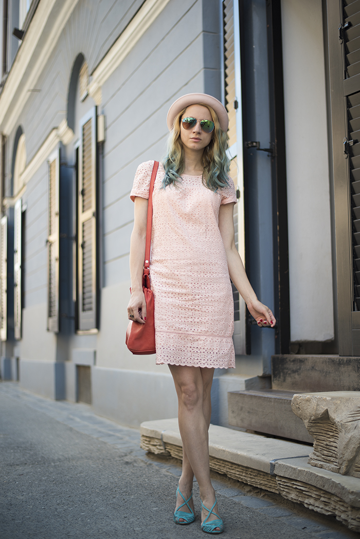Skinny Buddha pink dress hat