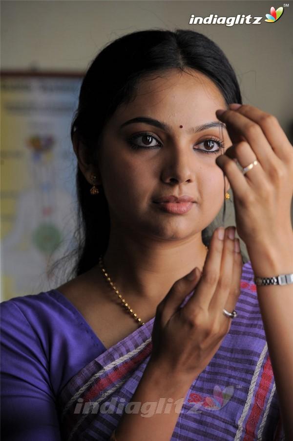 Actress Asin Tamil Bhuvaneswari Blue Film Daily